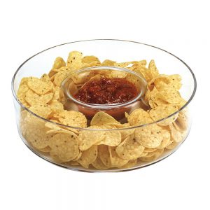 Chrystal chip and dip bowl with chips and salsa